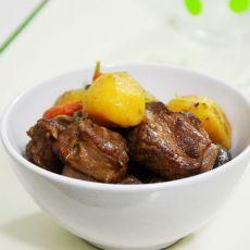 土豆红烧排骨的做法