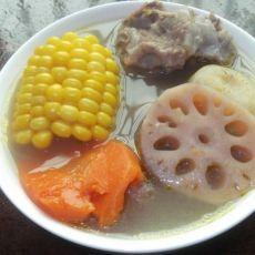 莲藕马蹄玉米胡萝卜猪骨汤的做法步骤