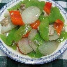 香莴笋山药炒红椒肉片的做法