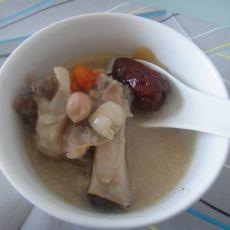 花生莲子猪手汤的做法