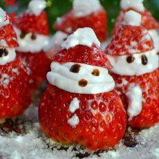 草莓圣诞小雪人的做法