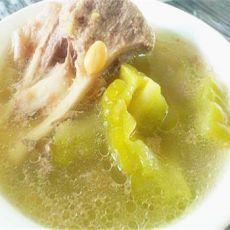 清润下火的黄豆大骨苦瓜汤