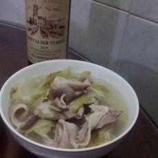 酸菜猪肚汤的做法