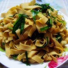 韭菜炒干豆腐的做法