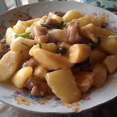 淮山土豆焖排骨的做法