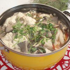 平菇豆腐煲的做法