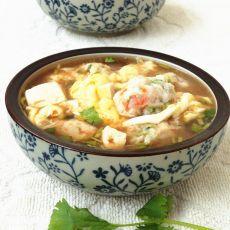 鱼丸豆腐酸辣汤的做法