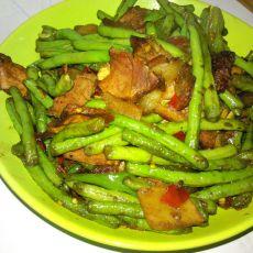 长豆角炒腊肉的做法