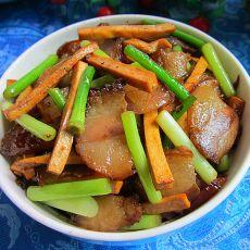 腊肉豆腐干炒蒜苔的做法
