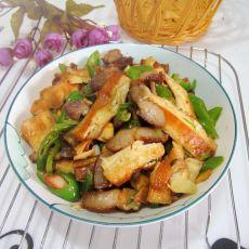 腊肉辣椒炒豆腐干的做法
