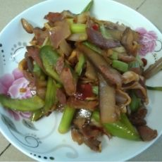 豆腐干炒腊肉的做法