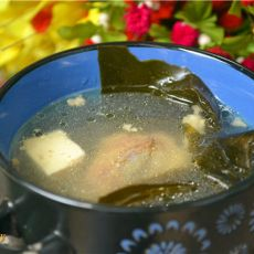 海带豆腐大骨汤的做法