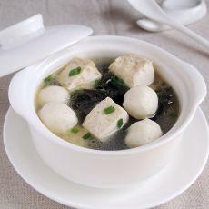 海带豆腐鱼丸汤的做法