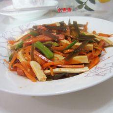鱼香烤肠海带豆腐丝的做法