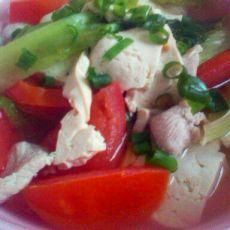豆腐西红柿生菜瘦肉汤