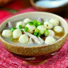 莲子猪肚汤的做法