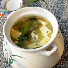 海带豆腐鱼头汤的做法