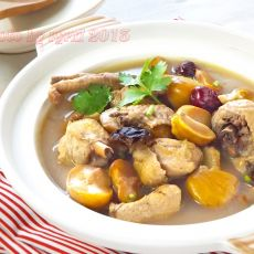 板栗炖鸡汤的做法