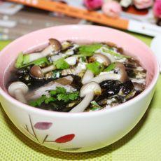 蟹味菇紫菜肉片汤