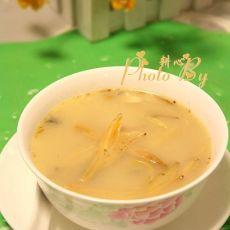 金针菜鲫鱼汤的做法