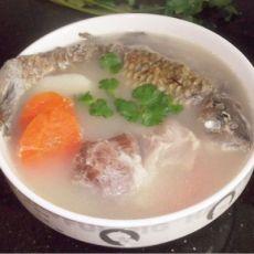 淮山胡萝卜鲫鱼汤 春季养生的做法