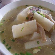 墨鱼白萝卜汤的做法
