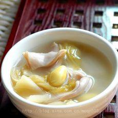 白果酸菜猪肚汤的做法