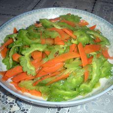 胡萝卜清炒苦瓜的做法步骤