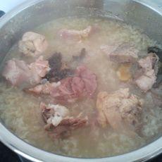 咸猪骨菜干粥